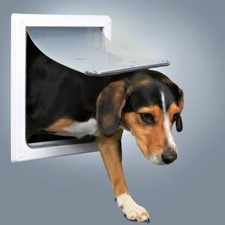 Trixie 2-Wege Freilauftür für Hunde S-M weiß